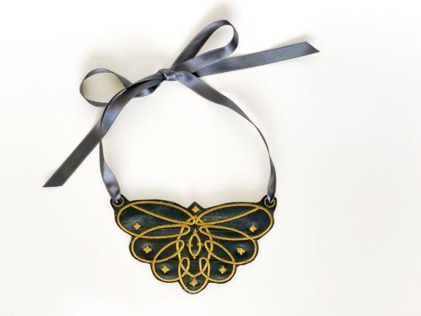 Collar mariposa Black
